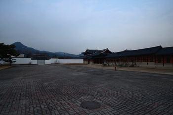 seoul_4981339914889835534_n.jpg